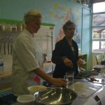 Chefs Molly Graham (l) and Monica Pope (r) instructing the class.